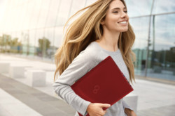LIFEBOOK U938 red-  Lifestyle picture