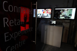 Connected Retail Experience Center