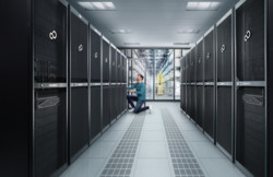 Lifestyle Pictures Datacenter - Server & Storage (Logistics)