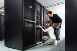 Lifestyle Pictures Datacenter - Server & Storage