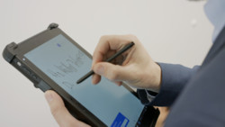 STYLISTIC Q7311: Taking notes on Tablet screen